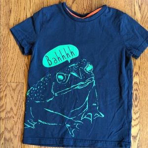 Mini Boden t-shirt with green frog design size 6/7
